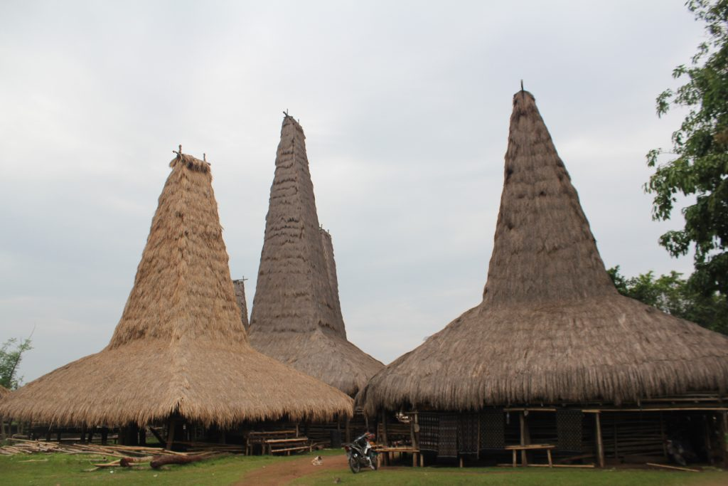 sumba tour package