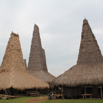 SUMBA TOUR PACKAGE 4 DAYS