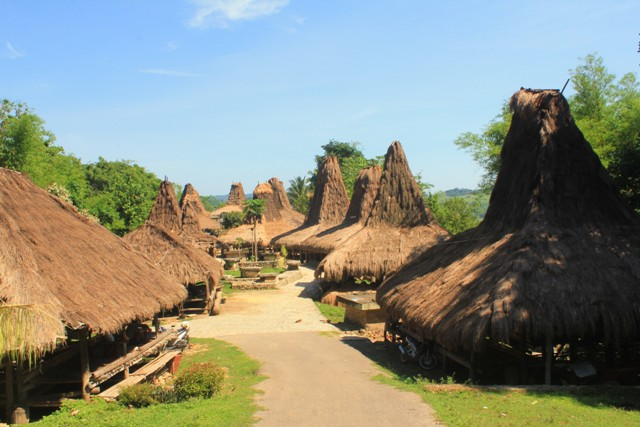 SUMBA TOUR PAKKET 5 DAYS