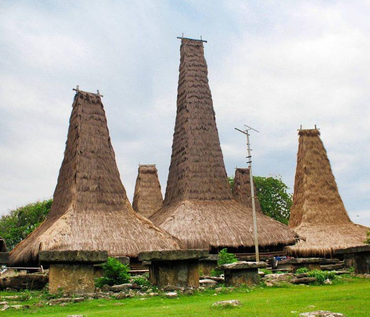 Paket Wisata Sumba Flores Komodo 2018